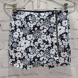 Abercrombie Kids Floral Black and white skirt